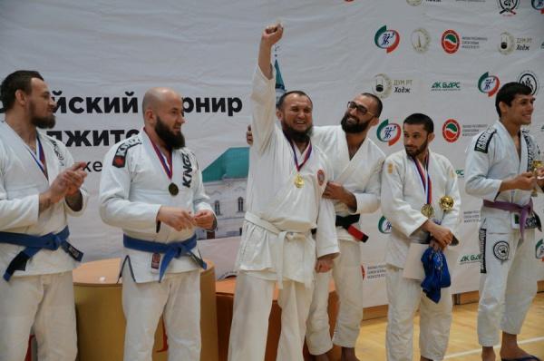 Стали известны обладатели главного приза соревнований по джиу-джитсу