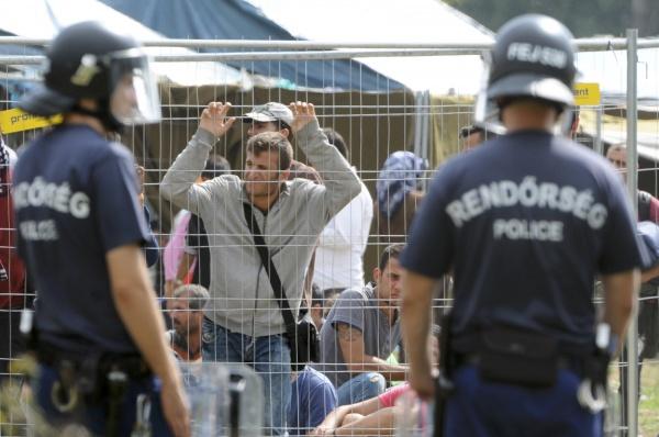 В Австрии ужесточат правила пребывания мигрантов.