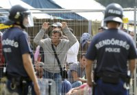 Мигрантам в Австрии запретят выходить на улицу