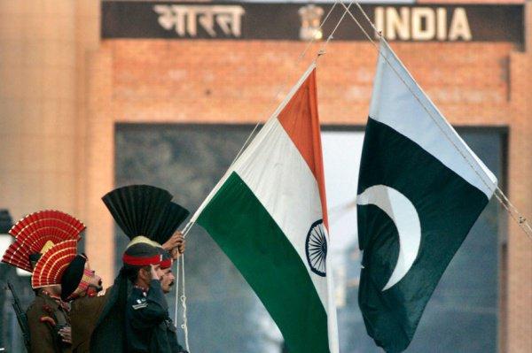Кризис в отношениях Индии и Пакистана продолжается.