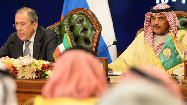 Главы российского и кувейтского МИД на совместной пресс-конференции.