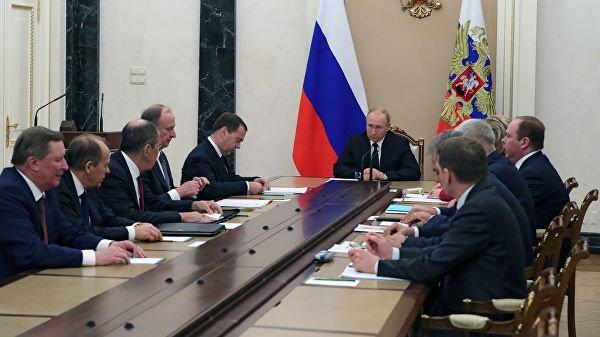 Владимир Путин на заседании Совбеза РФ.