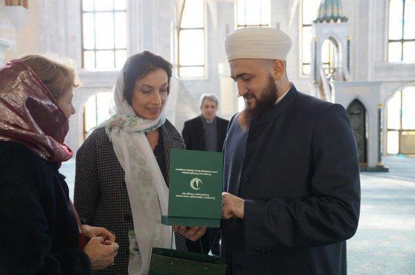 Гендиректор ЮНЕСКО в мечет Кул Шариф.