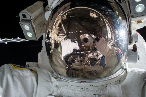 Это будет первый в мире выход в открытый космос, участие в котором примут только женщины