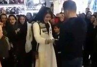 Жителя Ирана арестовали за публичное предложение руки и сердца