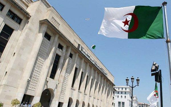 В Алжире - новый Кабинет министров.