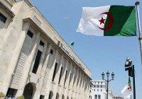 Новое правительство Алжира возглавит экс-глава МВД