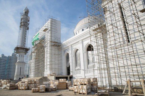 Мечеть сможет вместить до 20 тысяч верующих.