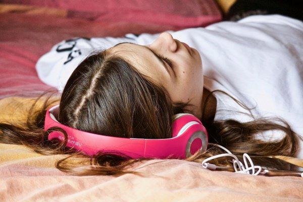 Около 25% людей в дневное время суток испытывают «давление сна»