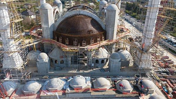 Строительство мечети входит в завершающую стадию.