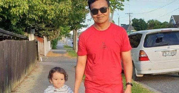 Отец закрыл собой двухлетнего сына от пуль. ФОТО с места теракта в Новой Зеландии