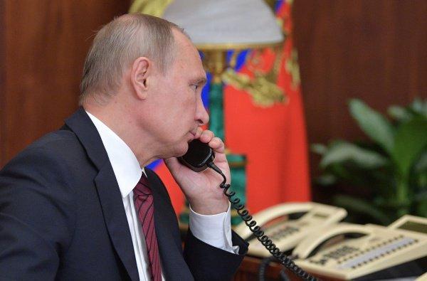 Владимир Путин поздравил нового президента Казахстана.
