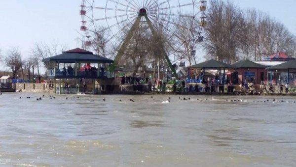 Десятки женщин и детей погибли на реке Тигр в Ираке.