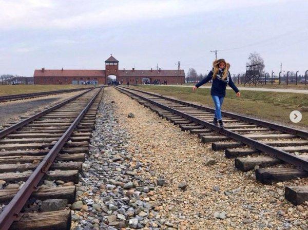 Посетителей Осванцима призвали уважать память жертв концлагеря.