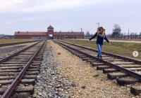 Туристов призвали не фотографироваться у ворот Освенцима