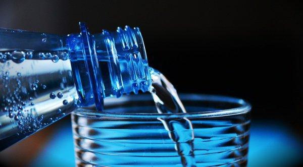 """Случаи так называемого """"отравления водой"""" крайне редки, - пояснил эксперт"""