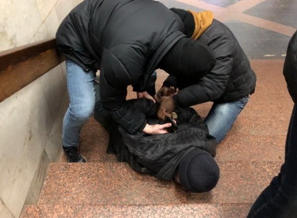 """СБУ опубликовала фото задержания """"российского террориста""""."""