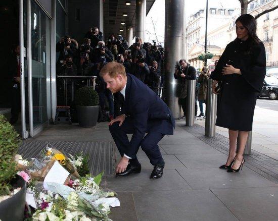 Герцоги у диппредставительства Новой Зеландии в Лондоне.