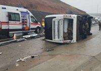 В Турции перевернулся грузовик с военными, есть погибшие