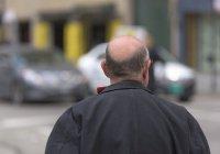 В Китае мужчина помыл голову и остался без волос