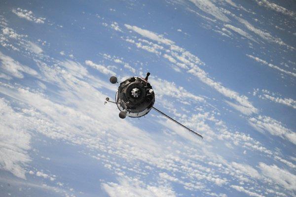 В настоящий момент на орбите находятся больше 5 тыс. спутников, отслуживших свой срок
