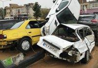 В Иране продолжает расти число жертв наводнений