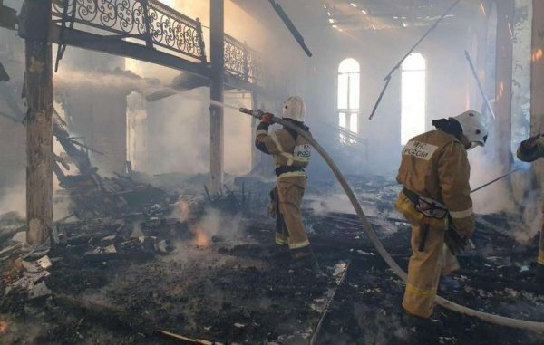 Жертв и пострадавших в результате пожара нет.