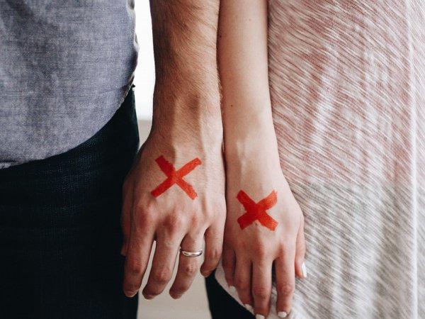 Многих мужчин не устраивает, что бывшие супруги оставляют себе их фамилию и никак на это повлиять не могут