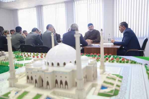 Строительство храма контролирует Юнус-Бек Евкуров.