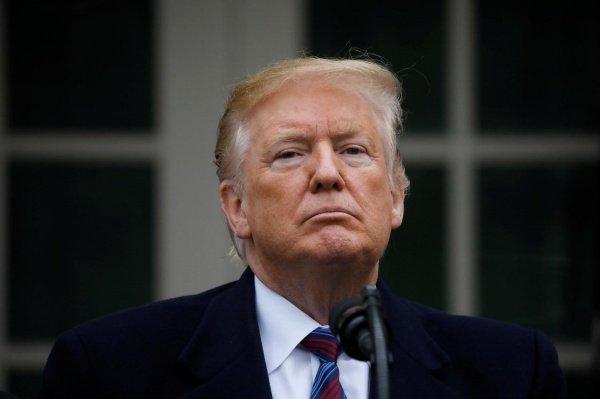 Дональд Трамп объявил о намерении закрыть границу с Мексикой, если ее власти не справятся с потоками мигрантов.