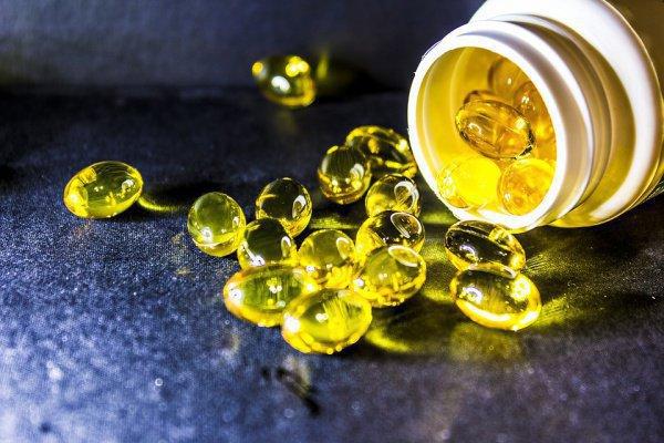 Важно прежде всего восполнить дефицит витамина D и кальция