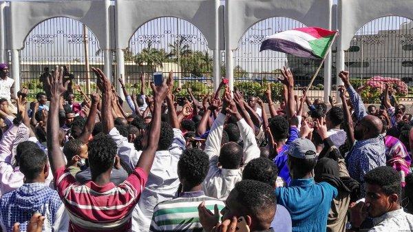 В Судане продолжаются массовые протесты.