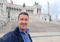 Гай Юлий Цезарь подаст в суд на Facebook