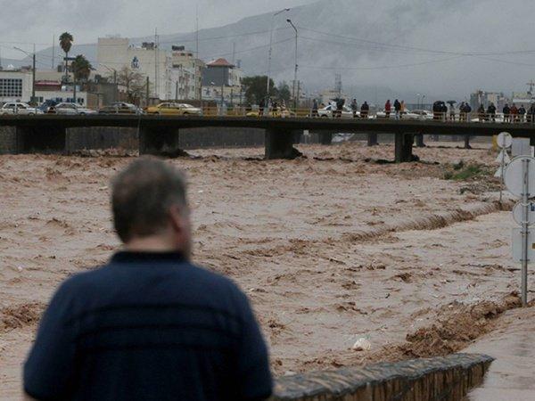Масштабные наводнения продолжаются в Иране.