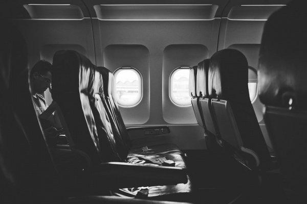 Больше 70% опрошенных отдают предпочтение сиденью возле иллюминатора