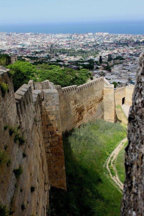 Дербент: Великая Кавказская стена «Даг-Бары»