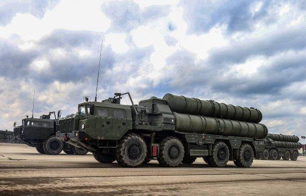 Российские ЗРК С-400 могут поступить в Турцию уже в июле.