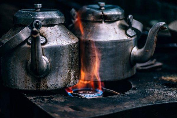 В МЧС также добавили, что в большинстве случаев пожары на кухне возникают из-за возгорания жира