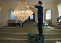 Волонтеры ДУМ РТ продолжают приводить в порядок мечети