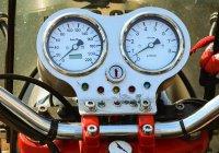 Мотоциклист запечатлел свое падение с 15-метровой скалы (ВИДЕО)