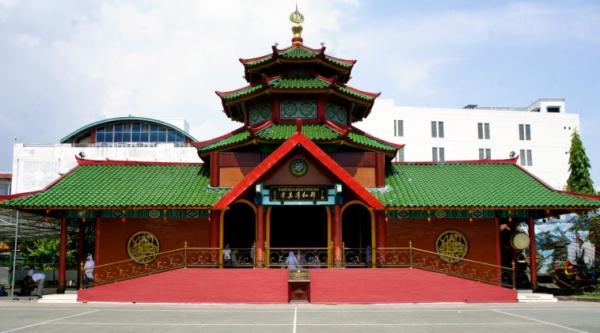 Диалог культур в архитектуре: минарет мечети, выполненный в китайском стиле