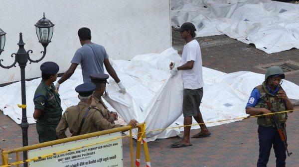 Число жертв терактов в Шри-Ланке продолжает расти.