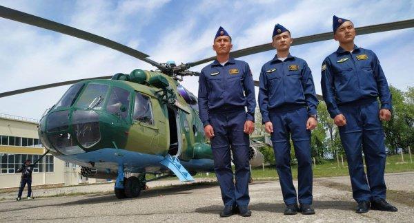 Киргизия получила от России вертолеты и боевые машины.