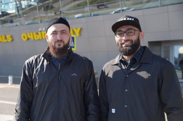 Почетного гостя в аэропорту столицы встретил муфтий Татарстана Камиль хазрат Самигуллин