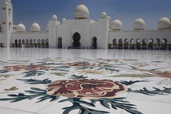 Для частного сектора рабочий день будет сокращен на 2 часа на время священного для мусульман месяца Рамадан