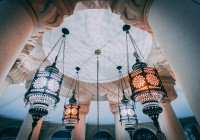 Почему мусульмане соблюдают пост именно в месяц Рамадан?