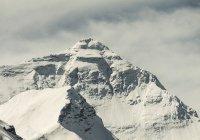 С Эвереста вывезли 3 тонны мусора