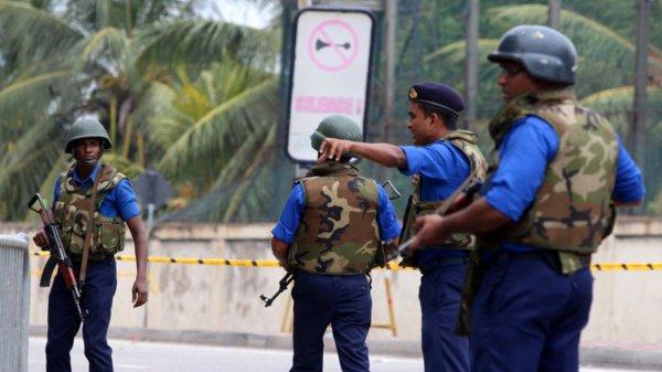 В Шри-Ланке продолжается антитеррористическая операция.