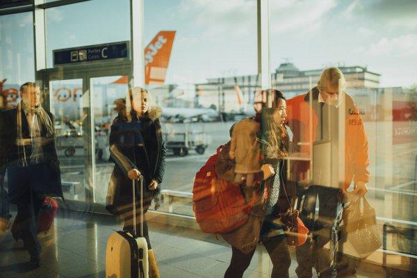 Наиболее распространены аферы, которые связаны с продажей поддельных билетов на самолет