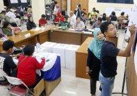 Число жертв выборов в Индонезии приближается к 500